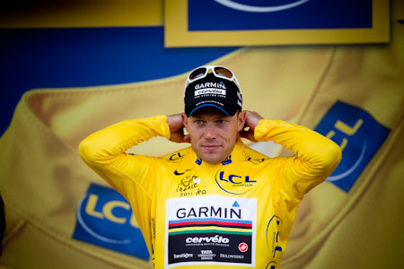 TDF Thor Hushovd holding onto the yellow jersey after stage 5.