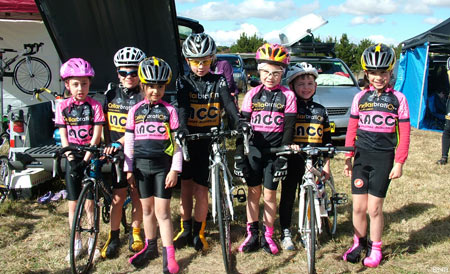 Competitive children cycling australia
