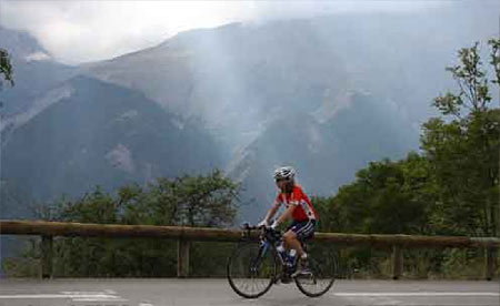 The light helping to alleviate the strain on the slopes of Alpe d'Huez